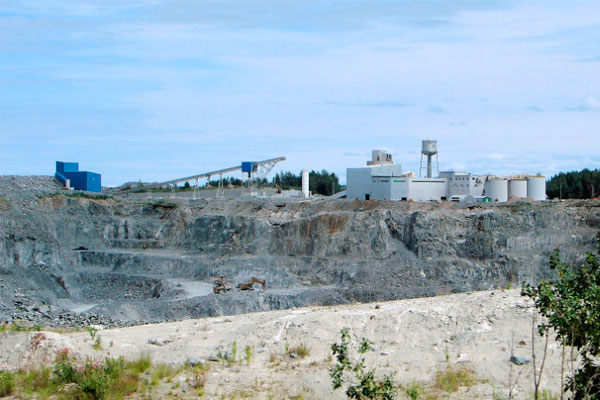 Mining site using natural gas LNG CNG
